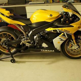 2006 Yamaha R1 LE