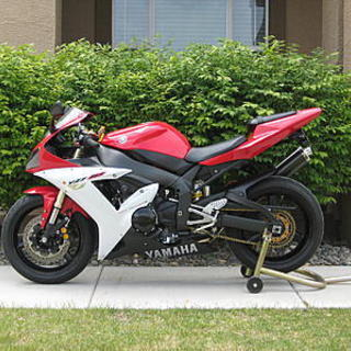2002 R1 white/red, orig. owner, lo miles, Reno, NV